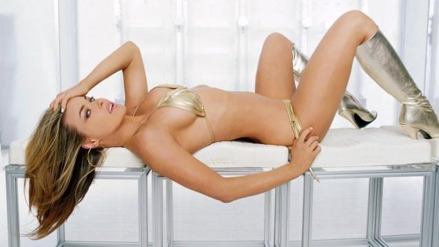 Hot Sexy Bikini Carmen Electra HD Wallpaper