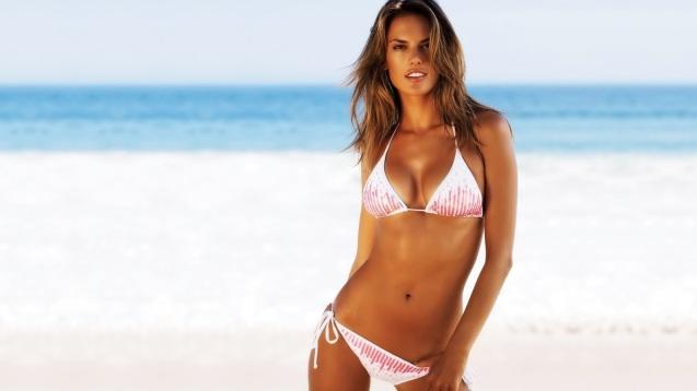 Sexy Bikini Alessandra Ambrosio HD Wallpaper