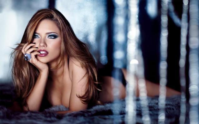 Adriana Lima Sexy Bikini HD Wallpaper